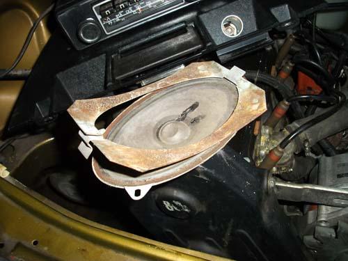Lautsprecherrahmen Armaturenbrett VW Passat 32  B1