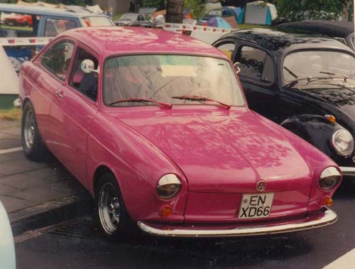 VW 1600TL Callook pink