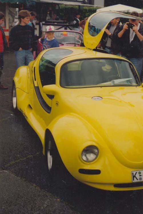 VW Käfer Flügeltüren Flip gelb GFK