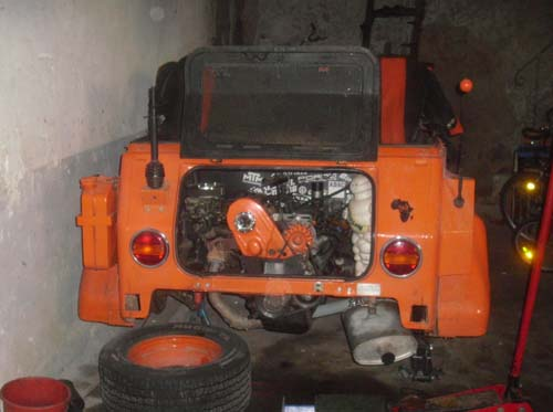 Passat Motor im VW Kübel
