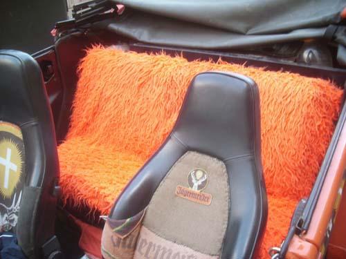 Flokati Rücksitzbank orange