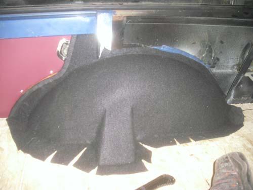 Radkasten mit Teppich bezogen