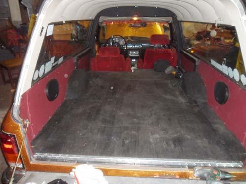 Sargraum Leichenwagen