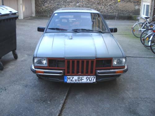 Geänderte Front VW Passat 32B