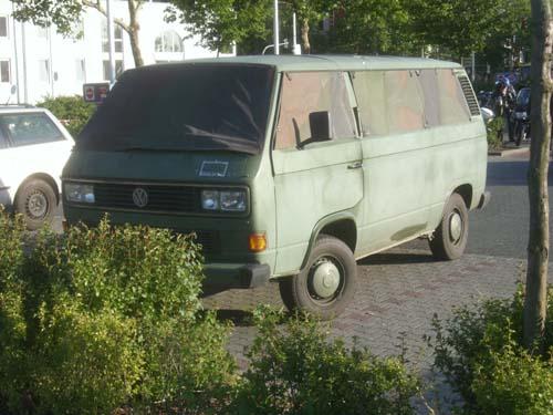 VW Bus T3 Armee, Scheiben getarnt