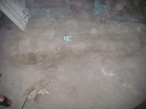 Loch im Werkstattboden
