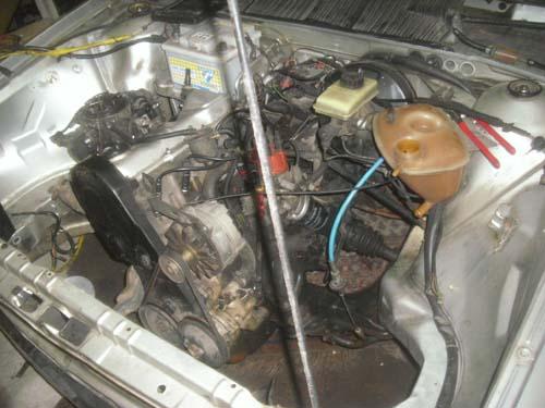 Motorraum VW Santana CX 90PS