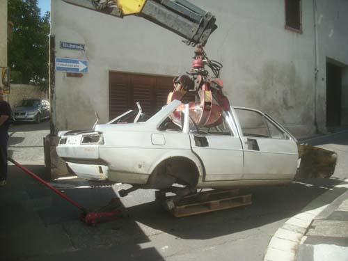 VW Santana an der Kralle