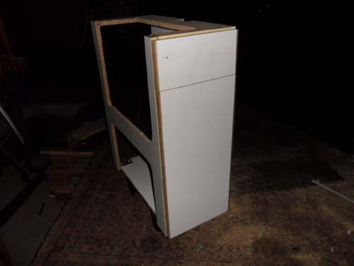 wir fusseln uns einen sp lenschrank. Black Bedroom Furniture Sets. Home Design Ideas