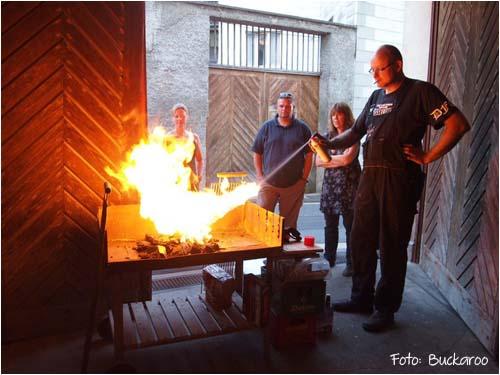 Feuer anzünden mit Bremsenreiniger
